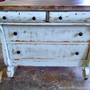 You Can Paint Antque Furniture Distressed Paint