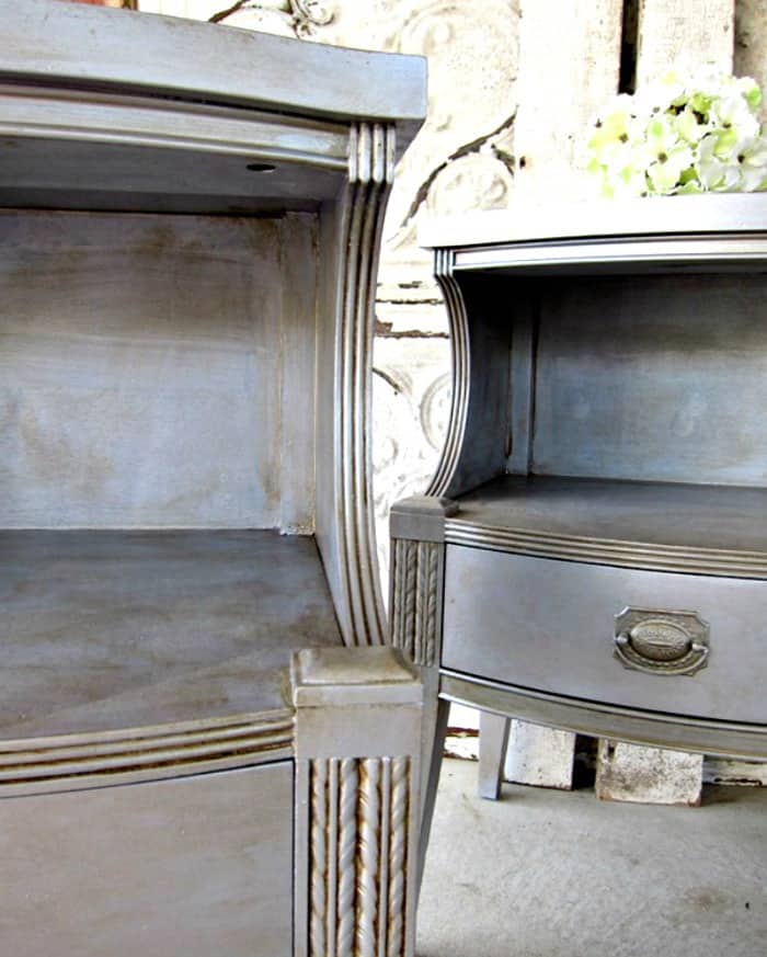 https://petticoatjunktion.com/metallic-silver-painted-furniture/pair-of-debutantes-decked-out-in-silver-with-mocha-highlights/