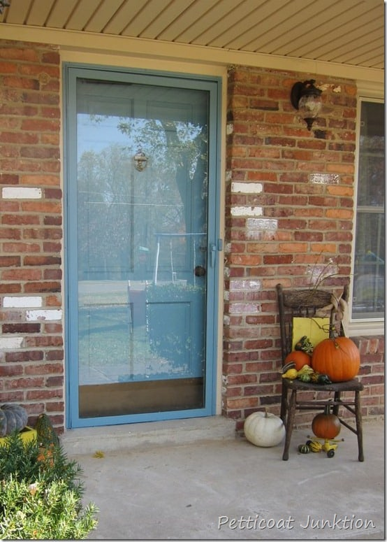 How to paint your front door, Petticoat Junktion