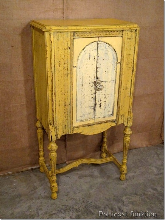 Mustard Seed Yellow paint color, Petticoat Junktion