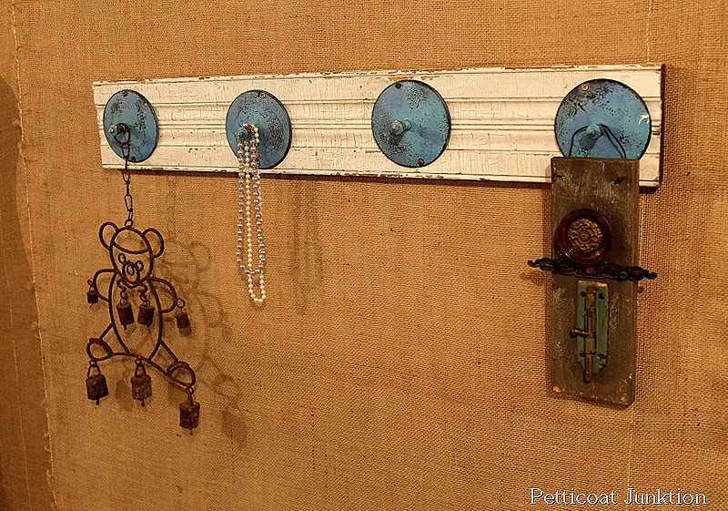 reclaimed-wood-metal-upcycle-project-idea