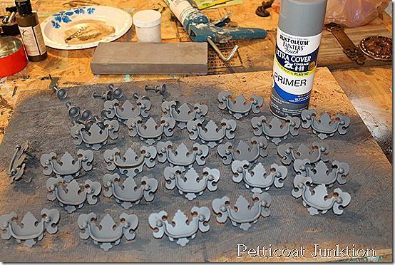 spray-paint-primer-hardware-gray