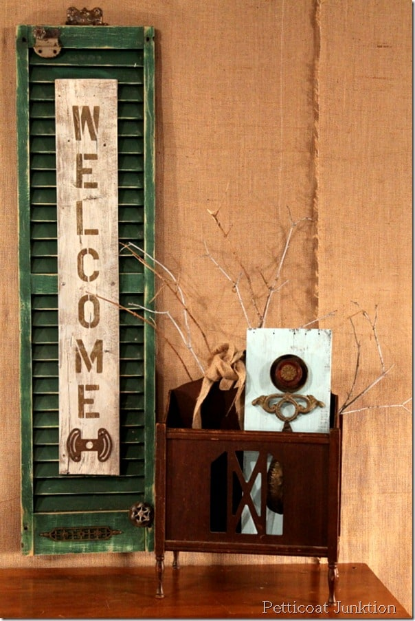 welcome shutter sign