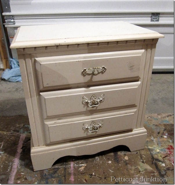 white-nightstand,paint,project