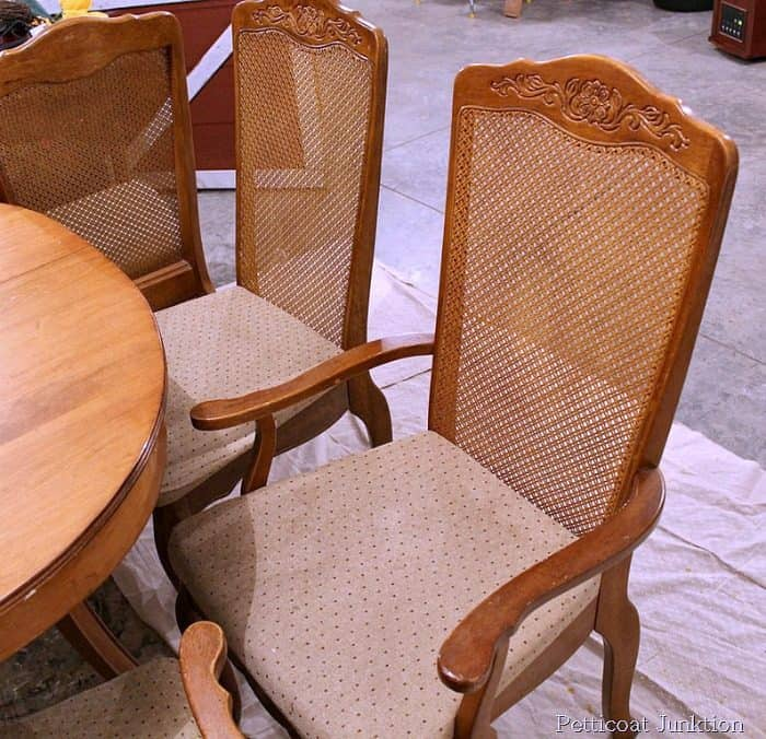 thrift-store-chairs