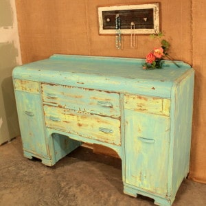 painted-distressed-buffet-furniture-project-idea