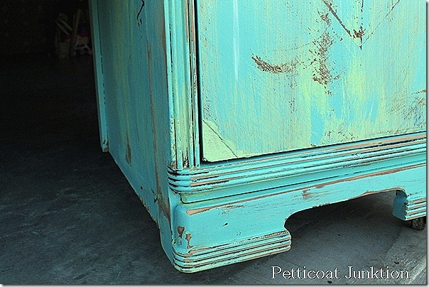 distressed-painted-diy-furniture
