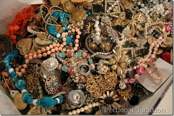 junk-jewelry-up-cycled-project-ideas