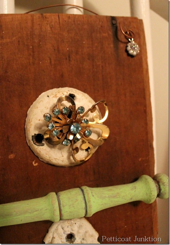 upcycle junk jewelry