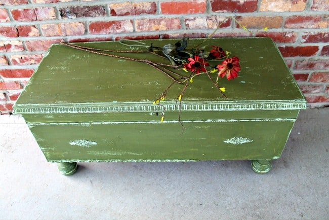 Milk Paint Makeover color boxwood Petticoat Junktion
