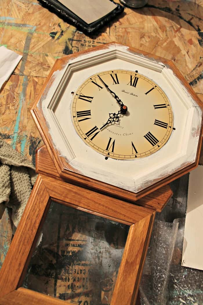 paint wood clock white