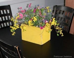 unconstructed-floral-arrangement-idea