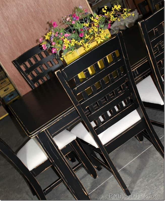 painted-table-chairs,distressed,diy-idea