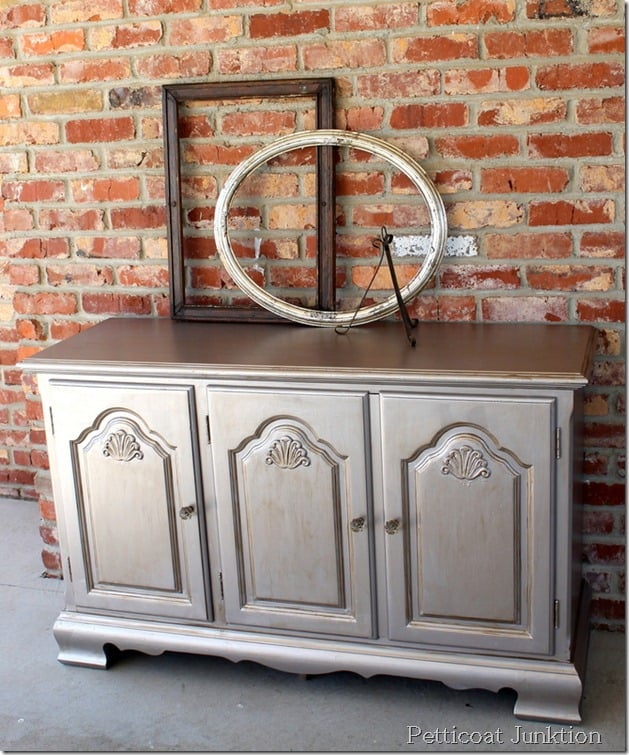 metallic-painted-furniture-project-idea-diy