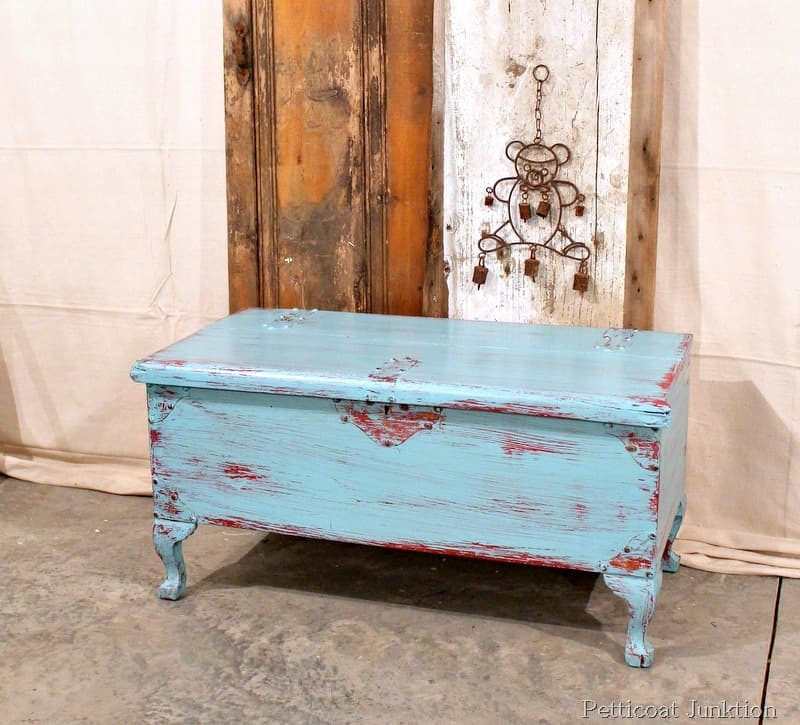 Nice Red Turquoise Distressed Chest Diy Craft