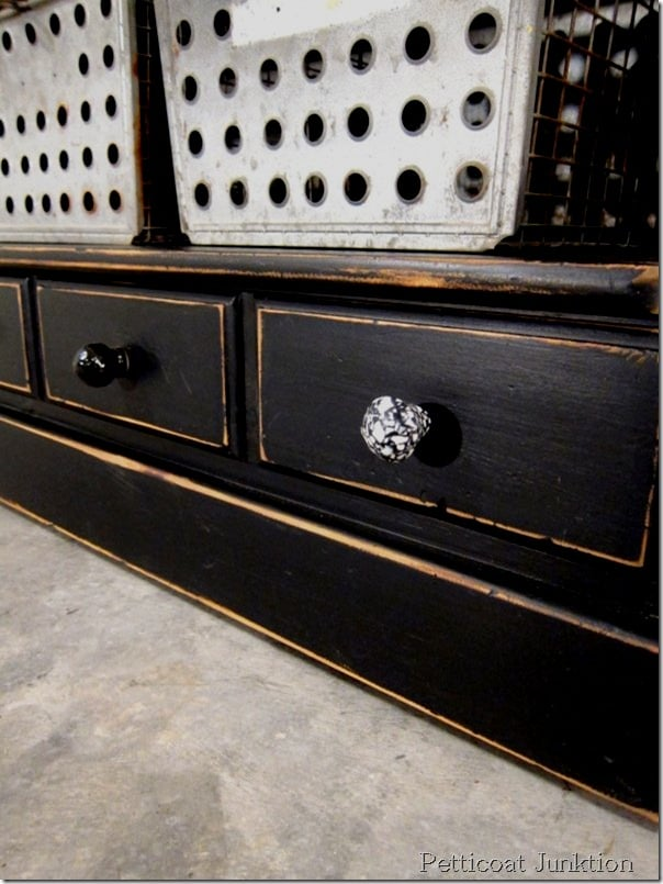 Black Furniture Is Both Classy And Sassy