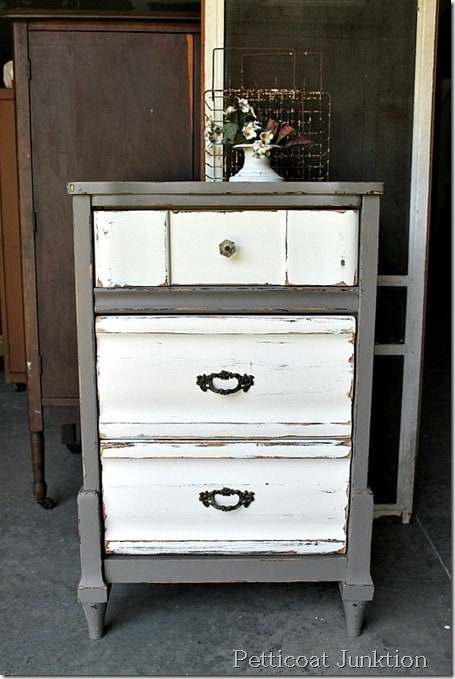 nightstand-paint-makeover-project