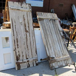 chippy-doors-junk-shopping