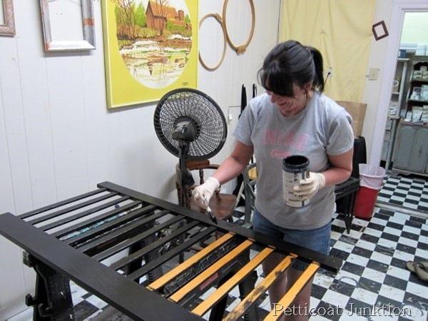 paint-workshop-petticoat junktion