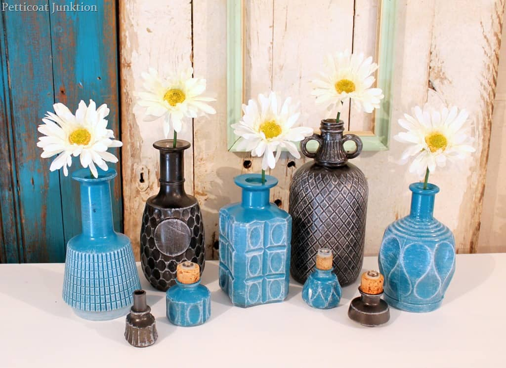diy spray paint glass decanters for home decor petticoat junktion. Black Bedroom Furniture Sets. Home Design Ideas
