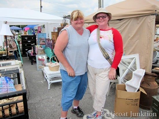 Nashville-Flea-Market-Shopping
