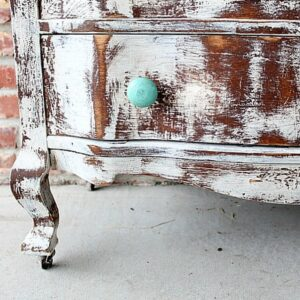 how to paint a vintage dresser