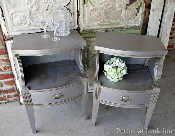 metallic- paint -finishes-for-furniture