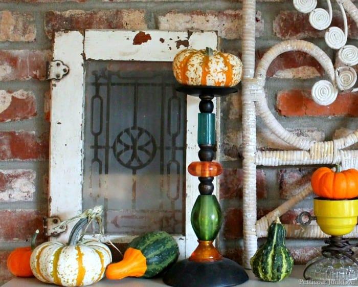 fall-display-mantel-decor.jpg