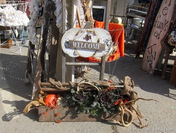 fall time nashville flea market