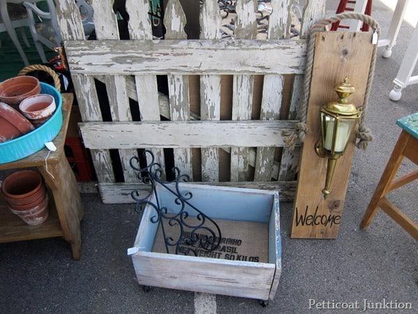 picket fence, nashville flea market