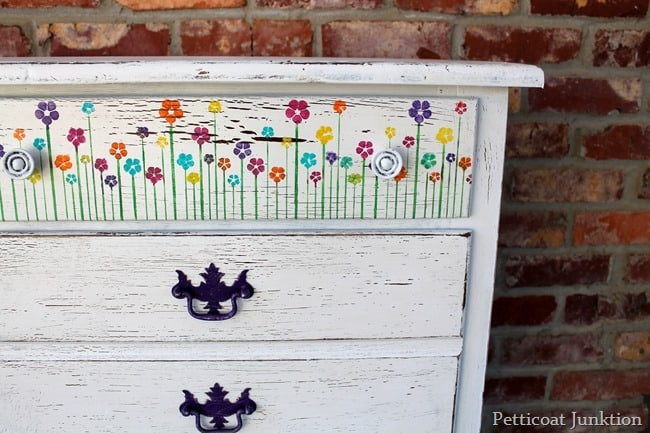 How to stencil flowers