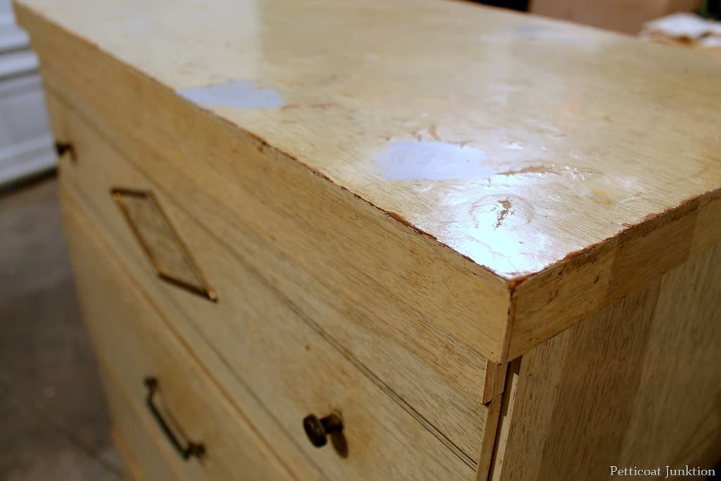 Repairing particle board furniture designs