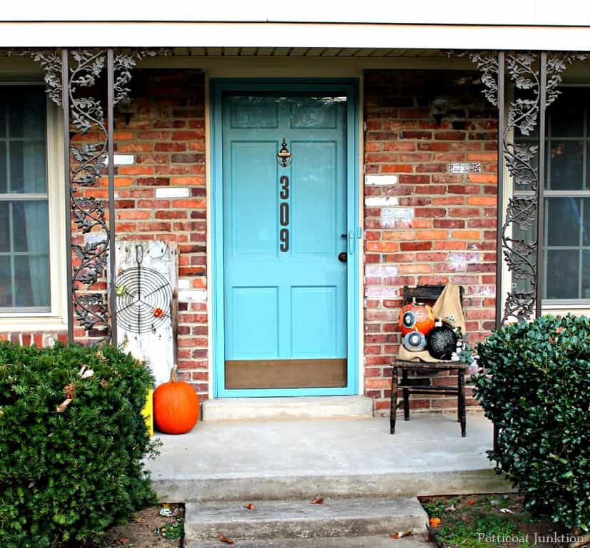Add painted house numbers to your front door petticoat for Number 16 house
