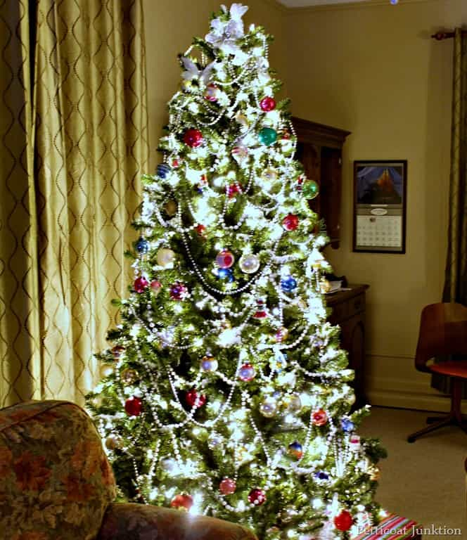 Christmas Tree Light Pictures: Clear Or Multi-Color Christmas Tree Lights-How About Both