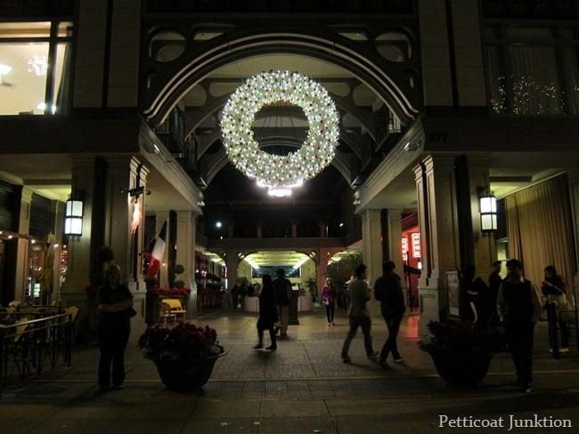 Lighted wreath Santana Row