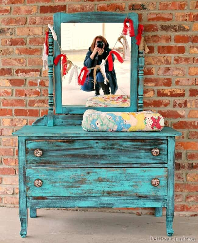 Aquamarine Paint Colors Via Bhg Com: The Turquoise Drawer