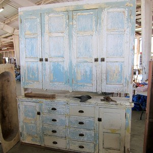 old-world-chippy-cracked-paint-.jpg