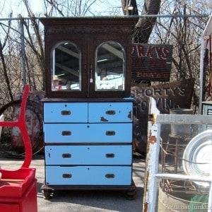 blue-two-tone-furniture-nashville-flea-market_thumb.jpg