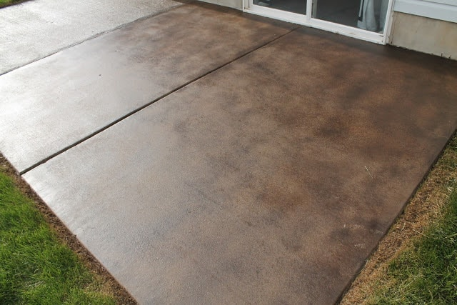 how to stain concrete from Chris Loves Julia Blog