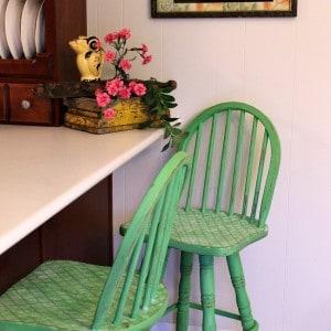 painted-and-stenciled-bar-stools_thumb.jpg