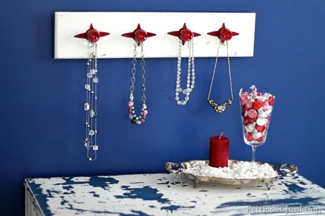 red jewelry organizer valentine display