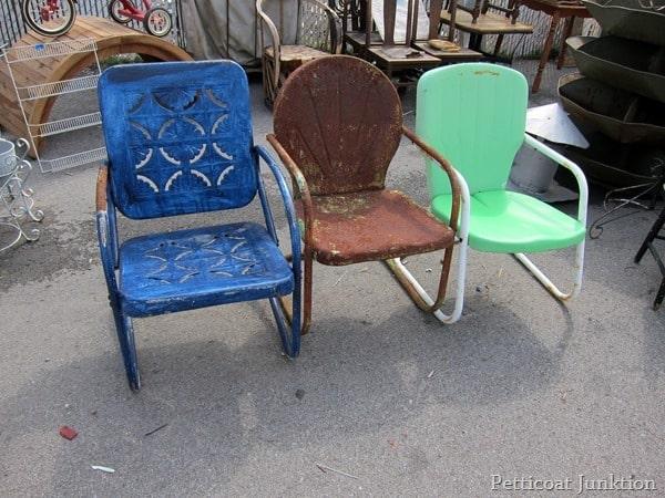 Vintage Metal Lawn Chairs >> Count The Chairs Nashville Flea Market Petticoat Junktion