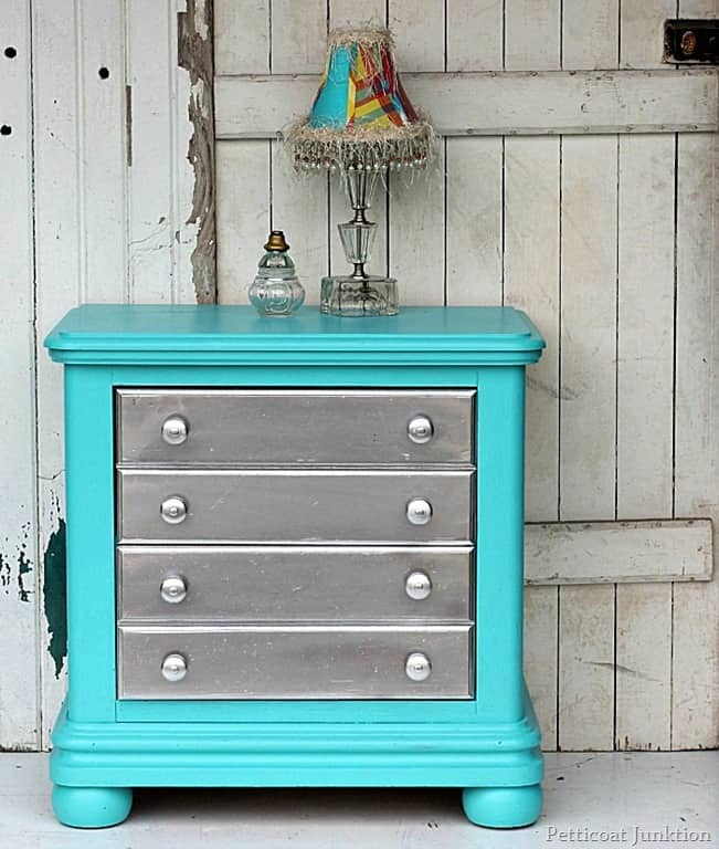 Silver spray paint and turquoise are the perfect pair Teal spray paint for metal