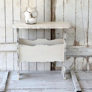 Chic-Cottage-Style-White-Table-Petticoat-Junktion_thumb.jpg