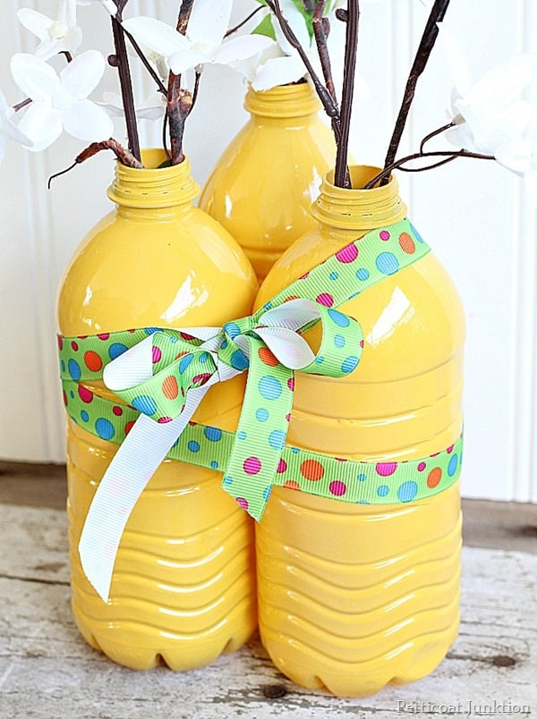 DIY Vases from Plastic Water Bottles Petticoat Junktion