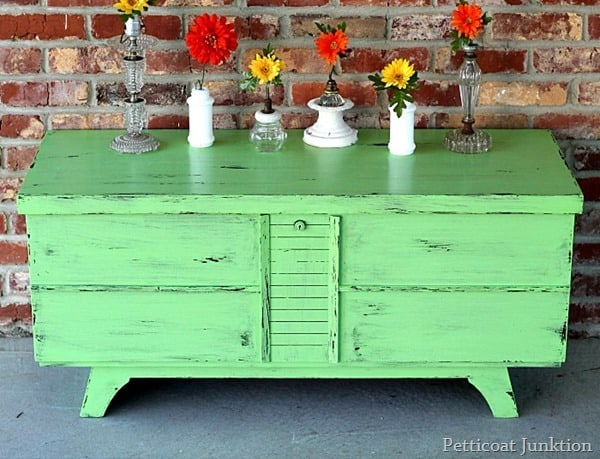 green paint for furniture