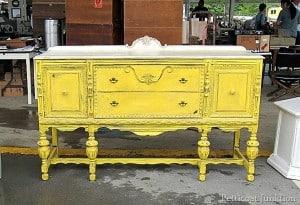Yellow-and-White-Buffet-Nashville-Flea-Market-Petticoat-Junktion-Shopping-Trip_thumb.jpg