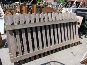 reclaimed-picket-fence-panels-junk-shopping-wiht-Petticoat-Junktion.jpg