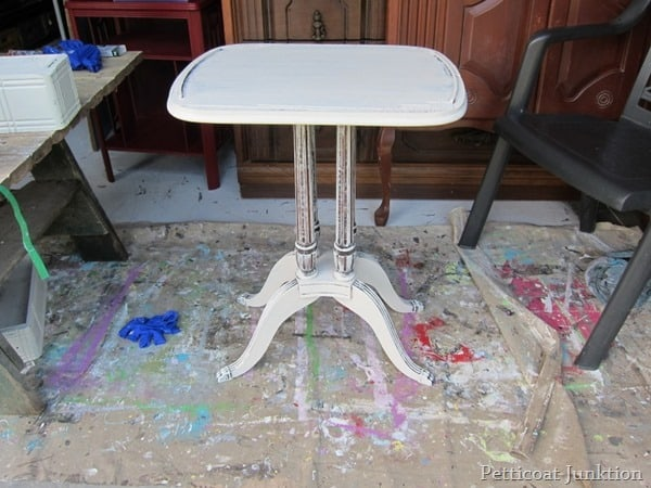 white table Petticoat Junktion