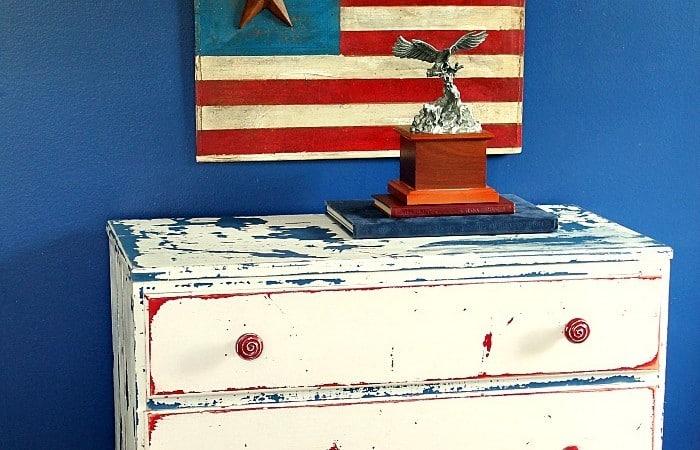 Rustic-American-flag-sign-project-Petticoat-Junktion.jpg